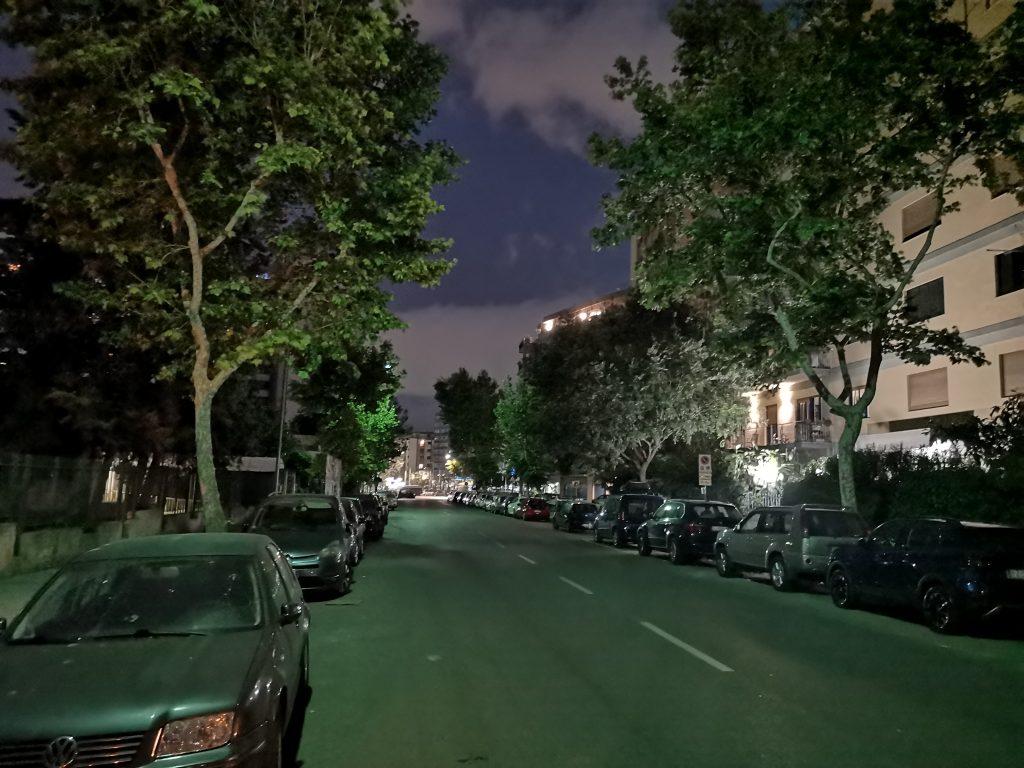 via Trinacria è una strada buia e, dunque, pericolosa