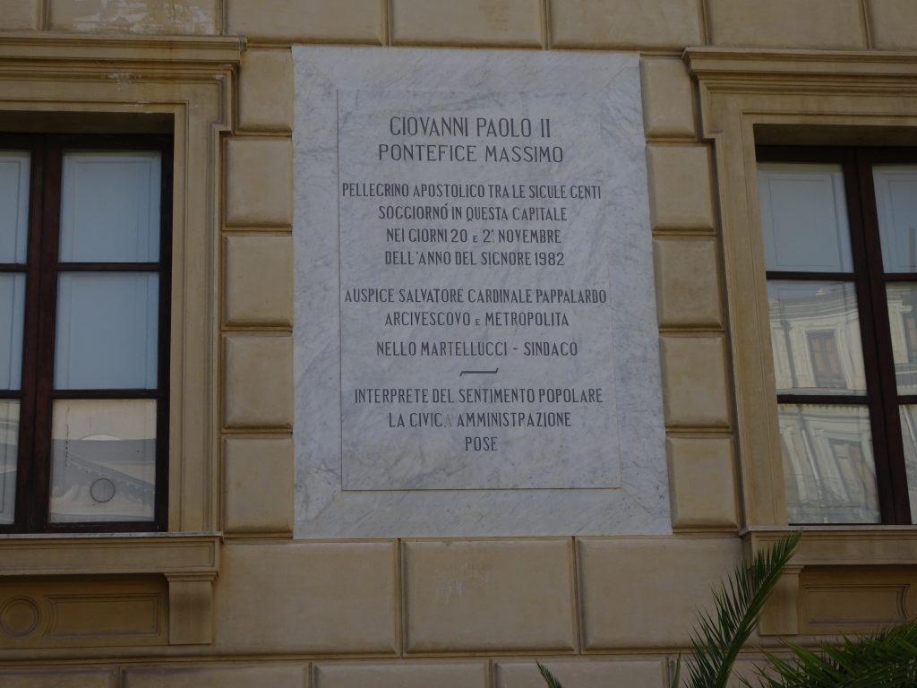 Proprio in una stagione di nuove divisioni l'eredità di Wojtyla torna attuale non solo in Europa ma ovunque serva la presenza di Cristo come a Beirut